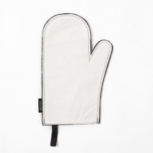 KOOS_ovenmitten_leather_paperwhite.jpg