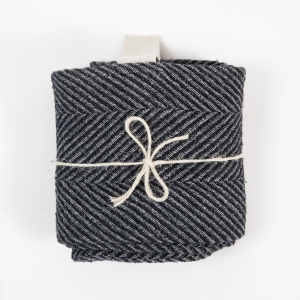 KOOS_towel_linen_black_wide_fishbone_big2.jpg
