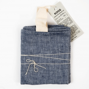 KOOS_towel_linen_blue_diagonal_big3.jpg