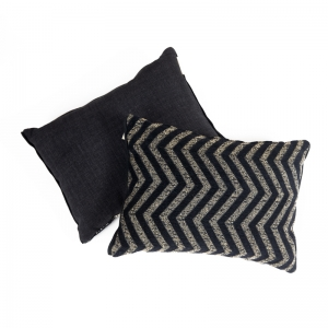 KOOS_pillow_decorative_black_siksak.jpg