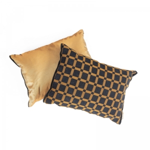KOOS_pillow_decorative_golden square1.jpg