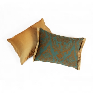 KOOS_pillow_decorative_golden_ornament_green.jpg