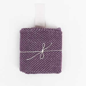 KOOS_towel_big_purple_pattern.jpg