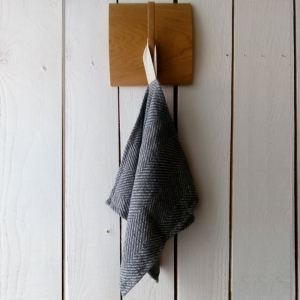 KOOS_towel_linen_gray_fishbone_small_.jpg