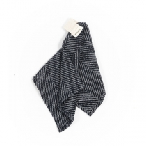 Linane väike rätik, must kalasabamuster